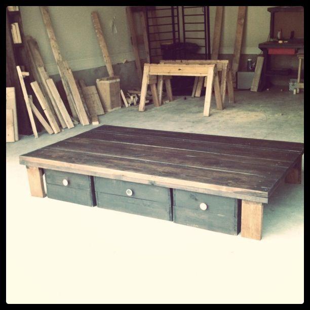 Diy Rustic Storage Bed