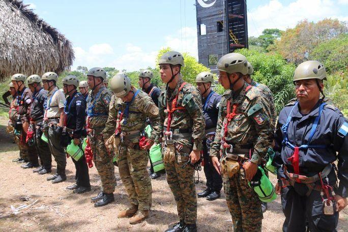 Resgate nas fronteiras centro-americanas
