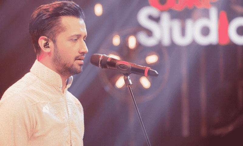 Atif Aslam Naats Collection Listen Online Mp3 Download Atif Aslam Is A Pakistani Pop Singer And A Film Actor Atif Aslam Pop Singers Atif Aslam Heartthrob