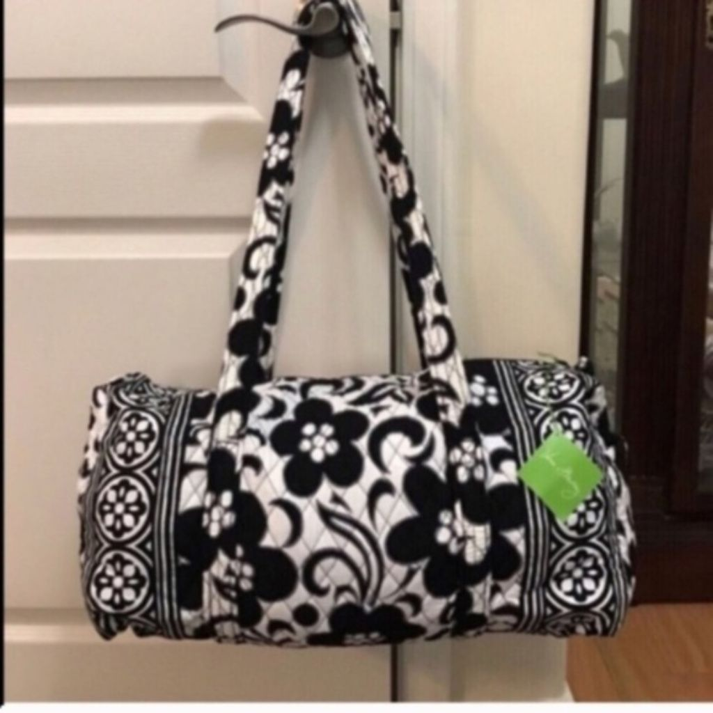 Shop Women s Vera Bradley White Black size OS Travel Bags at a discounted  price at Poshmark. Description  NWT Vera Bradley small night and duffle bag. c679543582