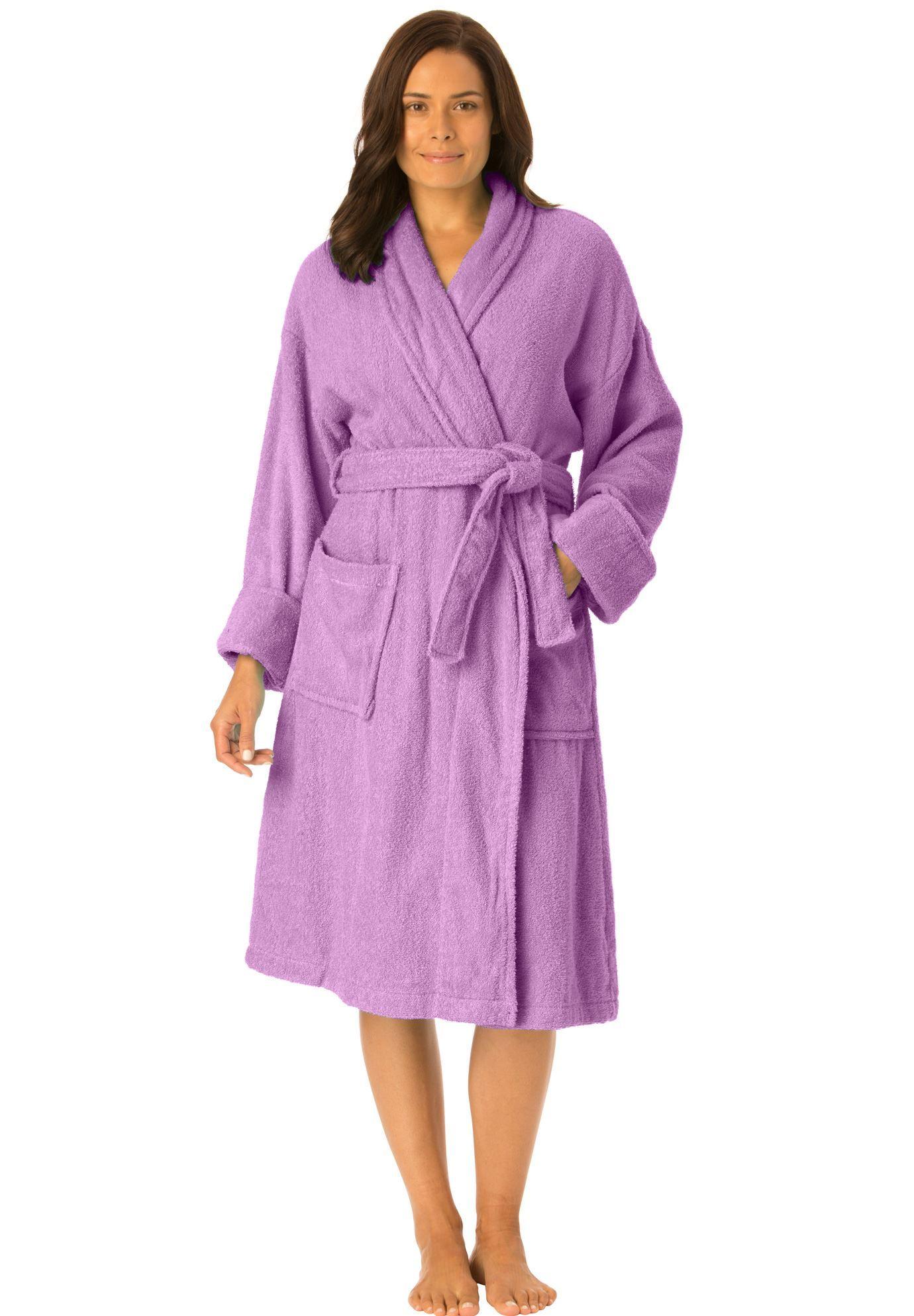 829e8925c8 This short terry robe has a pretty