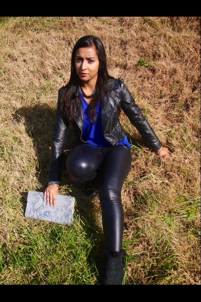 8db749d975be4 Leather jacket and shiny leggings   Leather Outfit   Leather ...