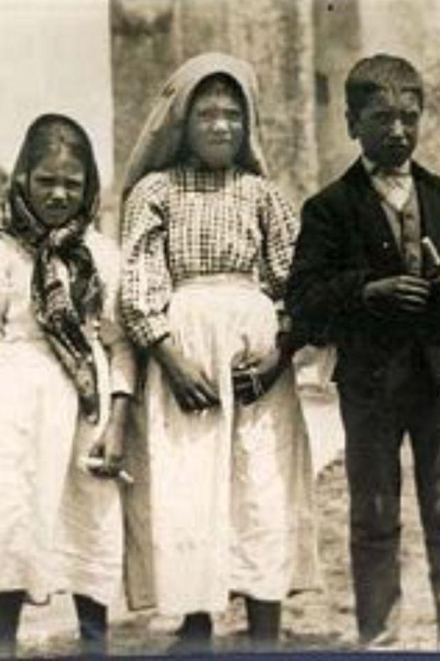 è uscita una nuova biografia della nostra sorella Lucia. Fatima Visionaries: Jacinta, Lucia, Francisco.