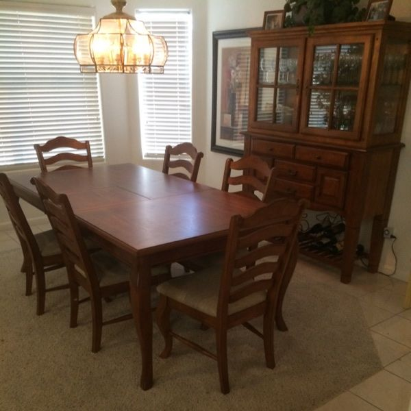 For Sale: Dining Room Set With FullChina for $500