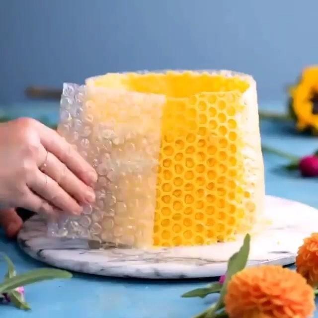 Honey Bee Cake Recipe, Honeycomb Cake