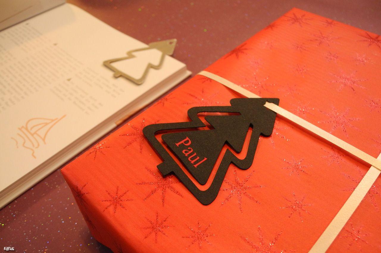 """Habt ihr schon die ersten Pakete eingepackt? Geschenkpapier habe ich schon besorgt und am Wochenende habe ich (wie ich finde), sehr geniale Geschenkanhänger """""""