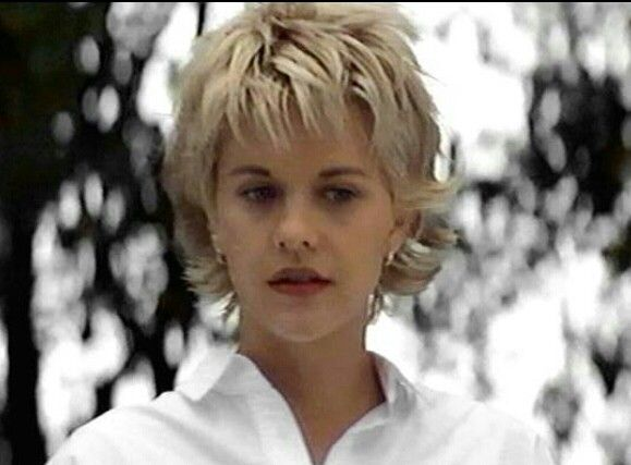 Pin By Cyndi Kiser On Hair Inspiration Meg Ryan Hairstyles Meg Ryan Short Hair Meg Ryan Haircuts