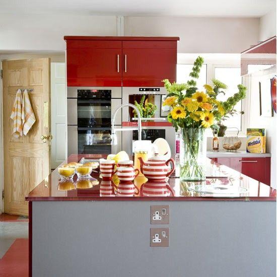Cherry-coloured kitchen Red kitchen, Kitchens and Kitchen colors