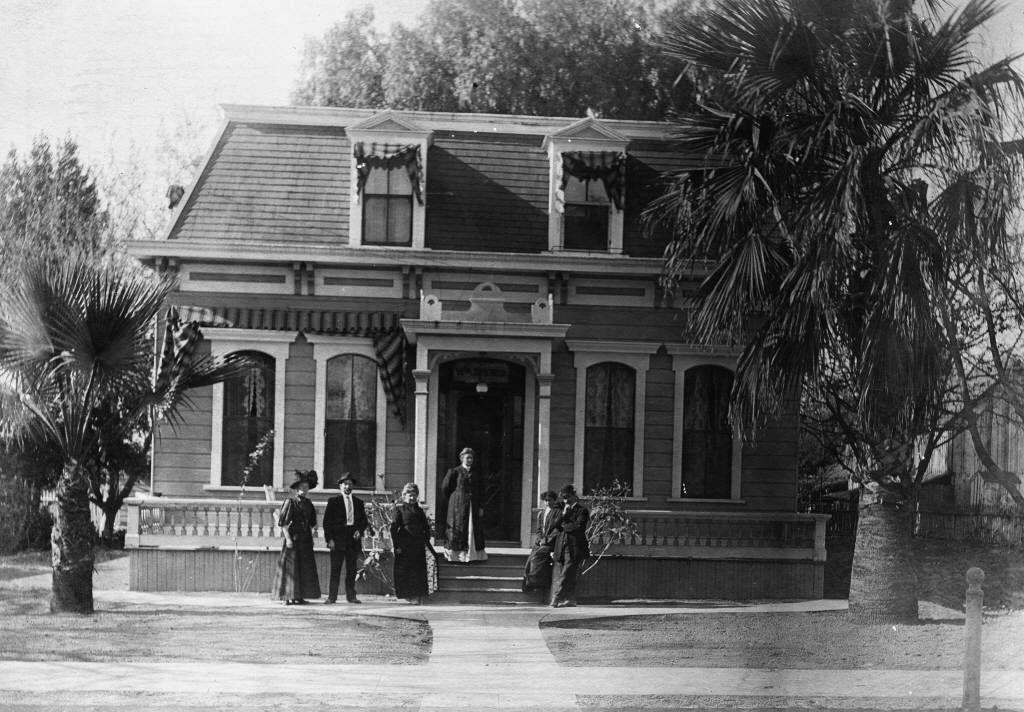 Residence of William Koenig / Konig, located at 321 South Los ...