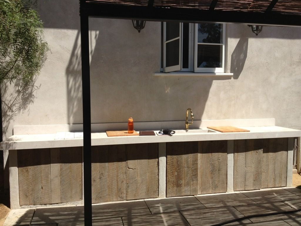Reclaimed Wood W Stucco And Sink Outdoor Kitchen Ideas Outdoor Kitchen Cabinets Outdoor Kitchen Design Outdoor Kitchen Countertops