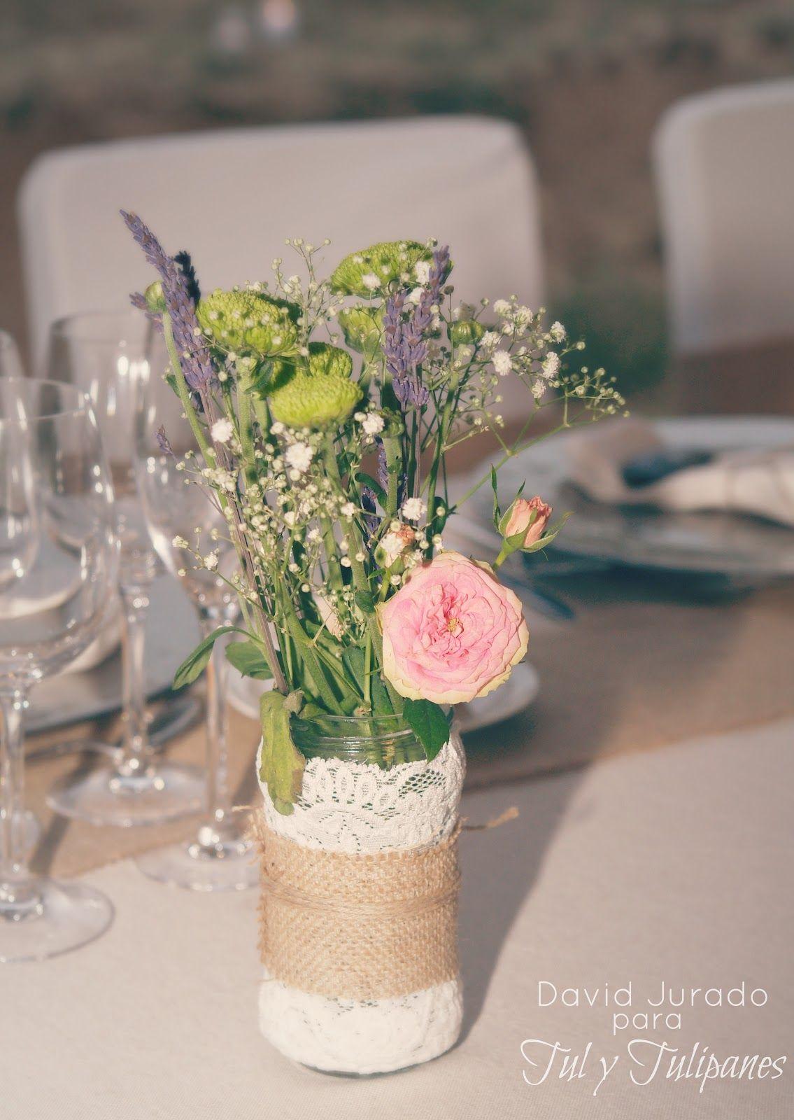 Tul y tulipanes centros de mesa con tarros de cristal arpillera y encaje flores pinterest - Centros de mesa cristal ...