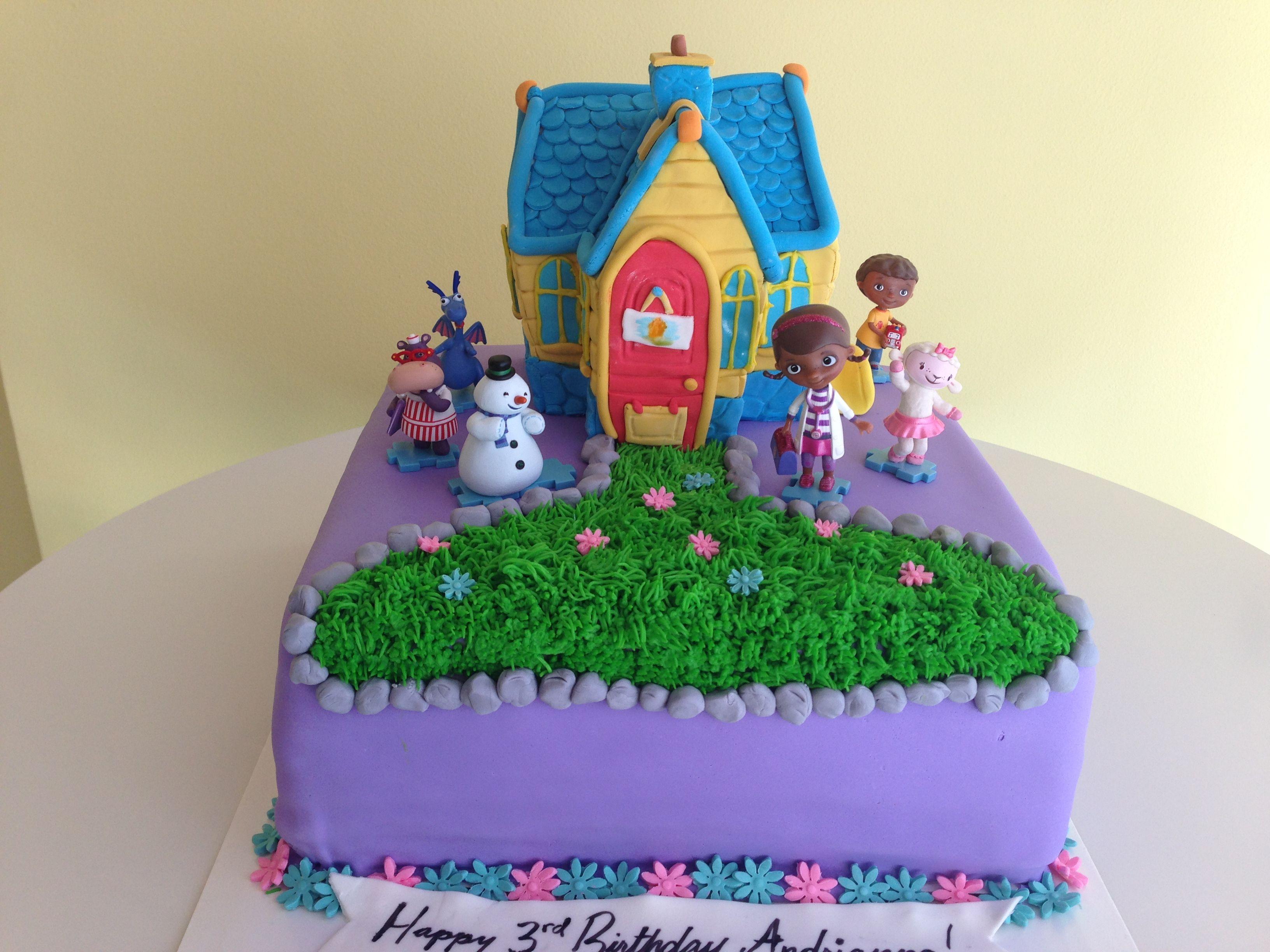 Doc mcstuffins bandages doc mcstuffins party ideas on pinterest doc - Doc Mcstuffins Clinic Cake For Eiliyah S 5th Birthday