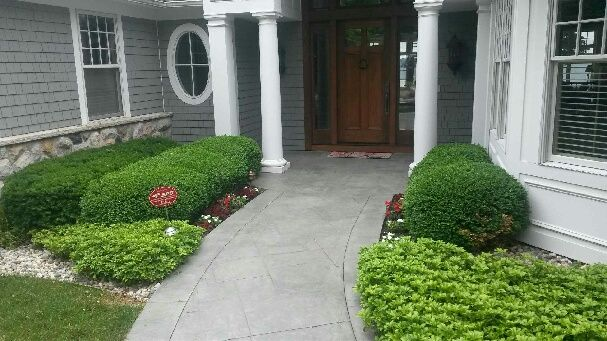 Pro-Mow Lawn Care & Landscaping, LLC | Pruning | Entrance