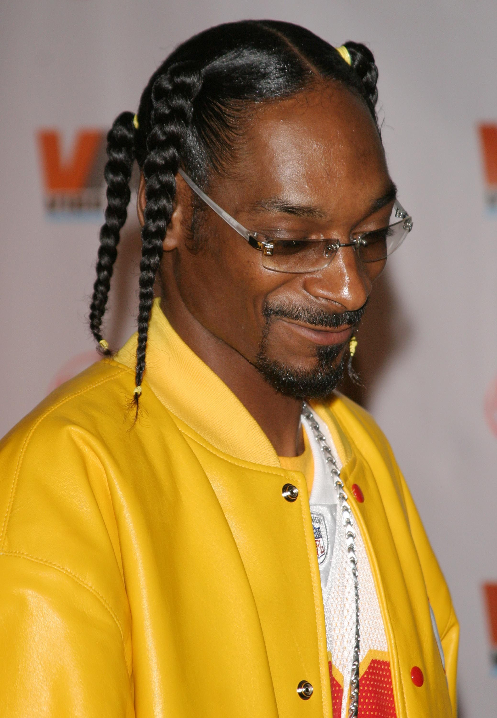 45 Times Snoop Dogg Was Hairgoals Snoop Dogg Dogg Mens Braids Hairstyles