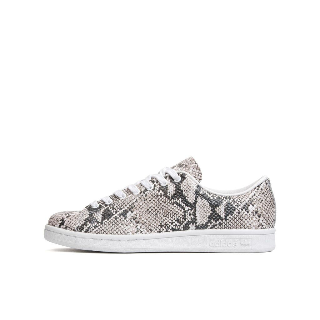 huge selection of 29b41 7b635 Adidas x Hyke Wmns AOH001 Stan Smith Python/White. Available ...