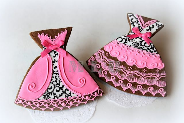 My little bakery :): Dress cookies..White, black & pink.