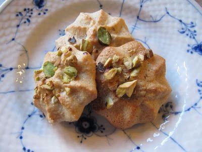 Hanne K's verden: Kransekage med pistacienødder #kransekageopskrift Hanne K's verden: Kransekage med pistacienødder