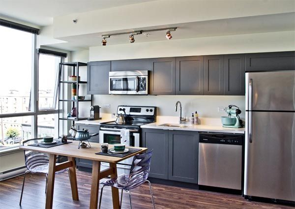 Kitchen layouts 10 single wall kitchen inspirations for Single wall galley kitchen designs