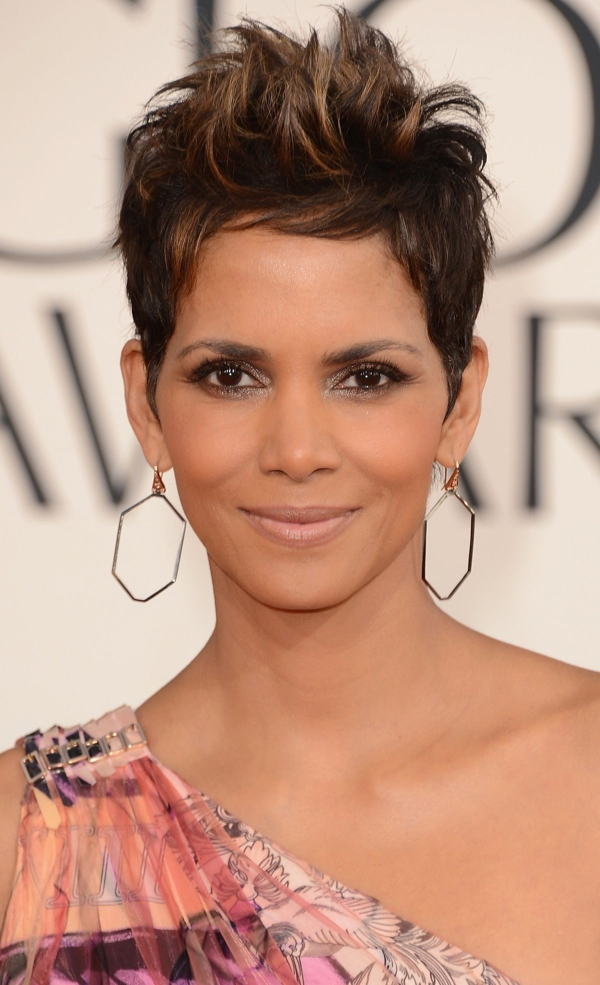 Coiffure Courte Halle Berry Halle Berry Pretty Hair Cuts Pixie Haircut Hair