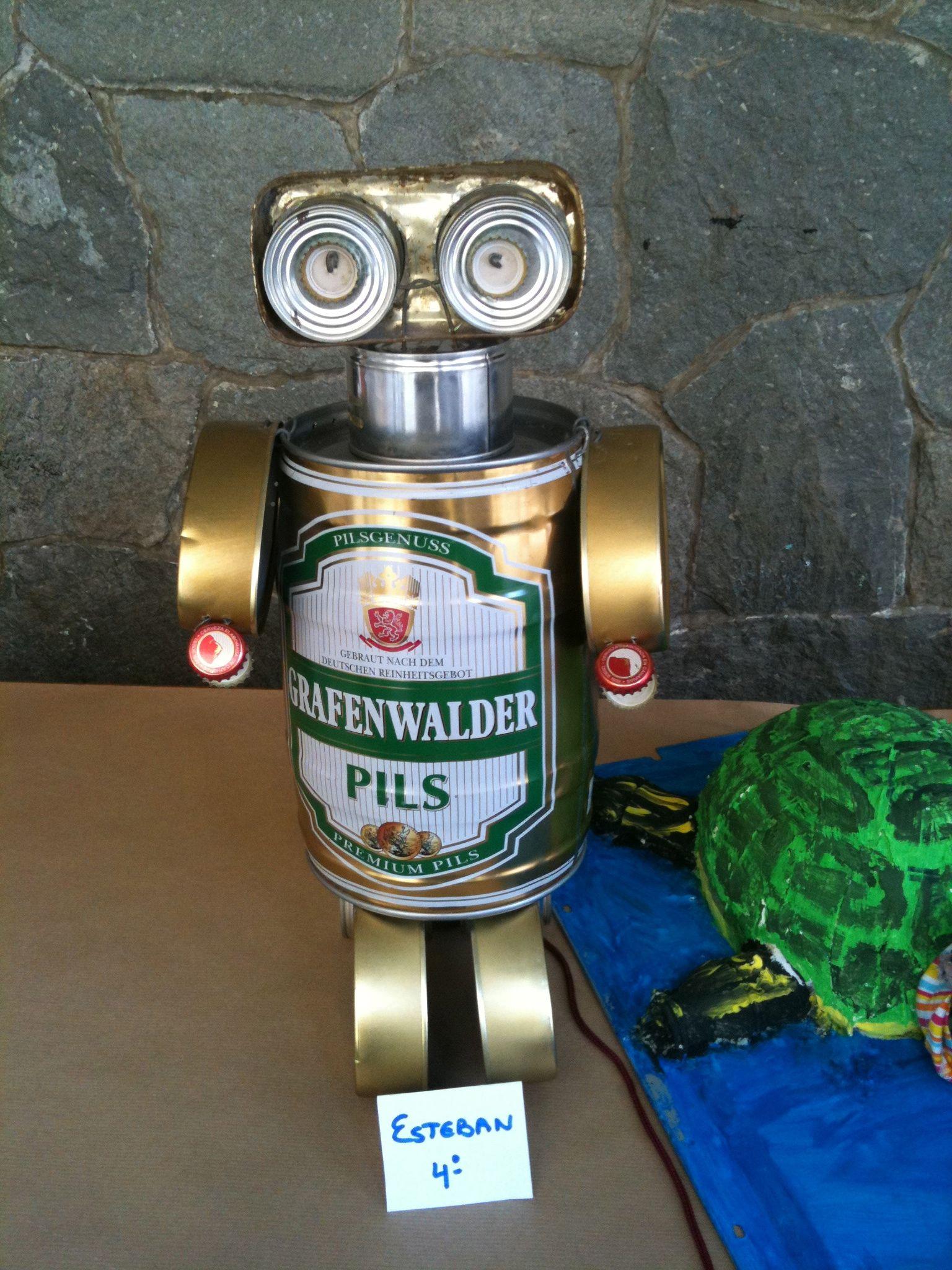 Wall E Robot Craft With Cans And Tins Wall E Robt Avec De Canetes Et Boites De Conserve