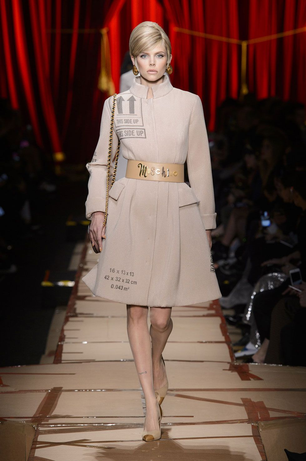 Why Are Runway Clothes So Weird: All The Looks From Moschino Fall 2017 (With Images