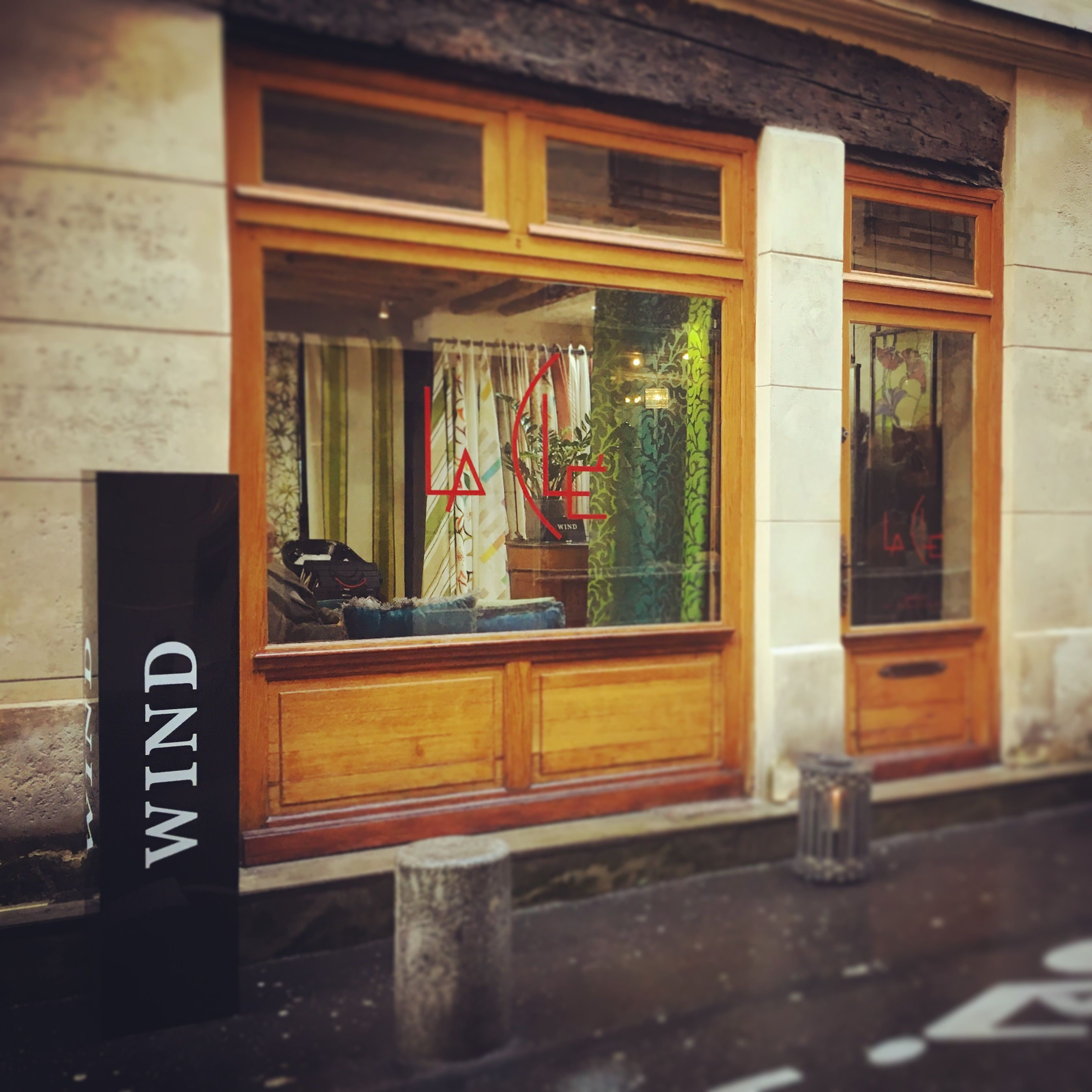 Wind Pop Up Showroom