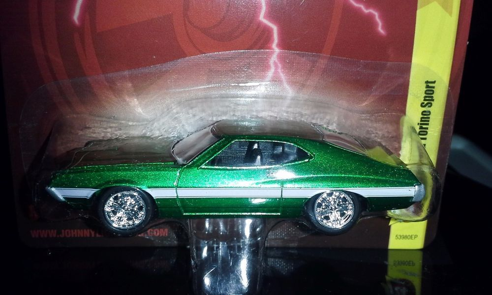 johnny lightning 2012 24 1972 ford torino sport adult collectible