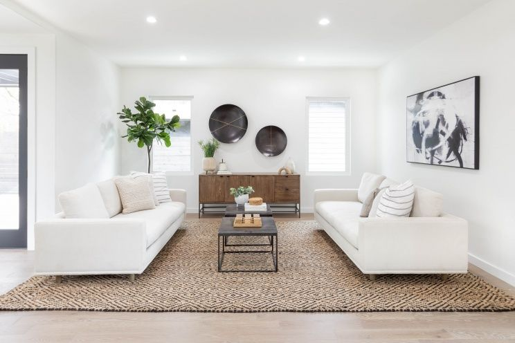Austin Texas Modern Home Staging Home Staging Interior Design Classes Symmetrical Living Room