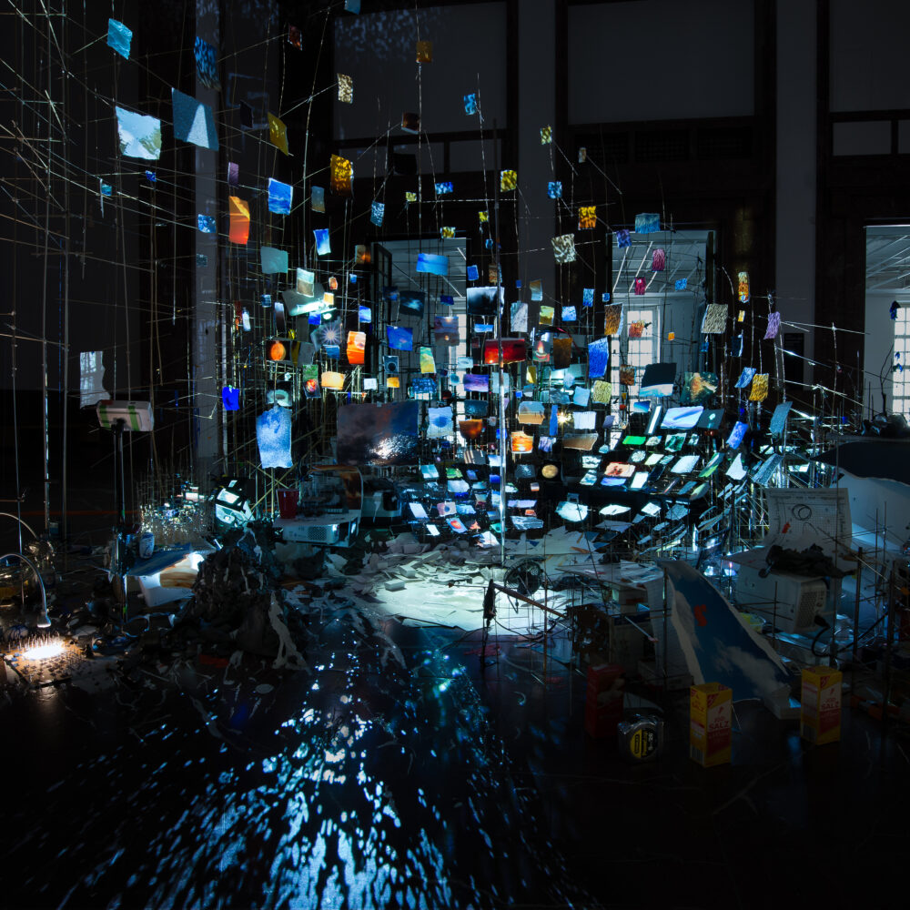 Sarah Sze, Night into Day - Fondation Cartier pour l'art contemporain in 2020 | Institute of contemporary art, Museum of contemporary art, Kunst
