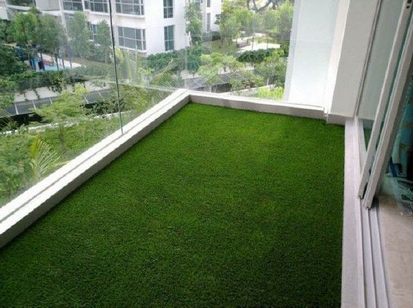 gazon pour balcon le gazon artificiel pour un balcon terrasse ou jardin grands. Black Bedroom Furniture Sets. Home Design Ideas