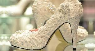 Resultado de imagem para sapatos customizados com renda
