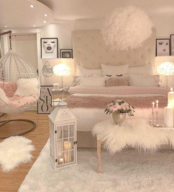 Wie umwerfend ist dieses Schlafzimmer? Folgen Sie @inspirationbyblanca. Kennzeichnen Sie jemanden, der … #smallbedroominspirations