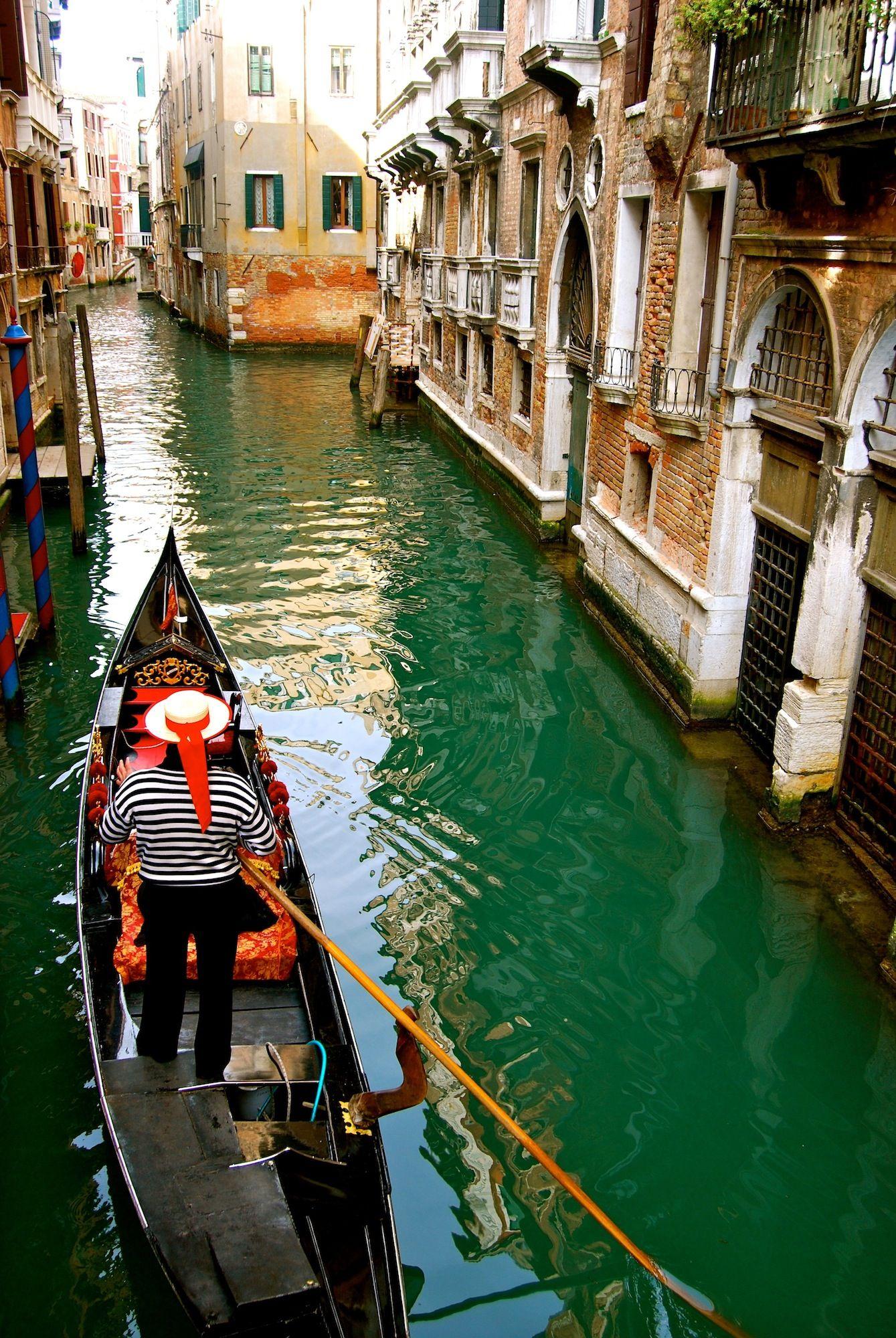 Ebfiore Gondola In Venice