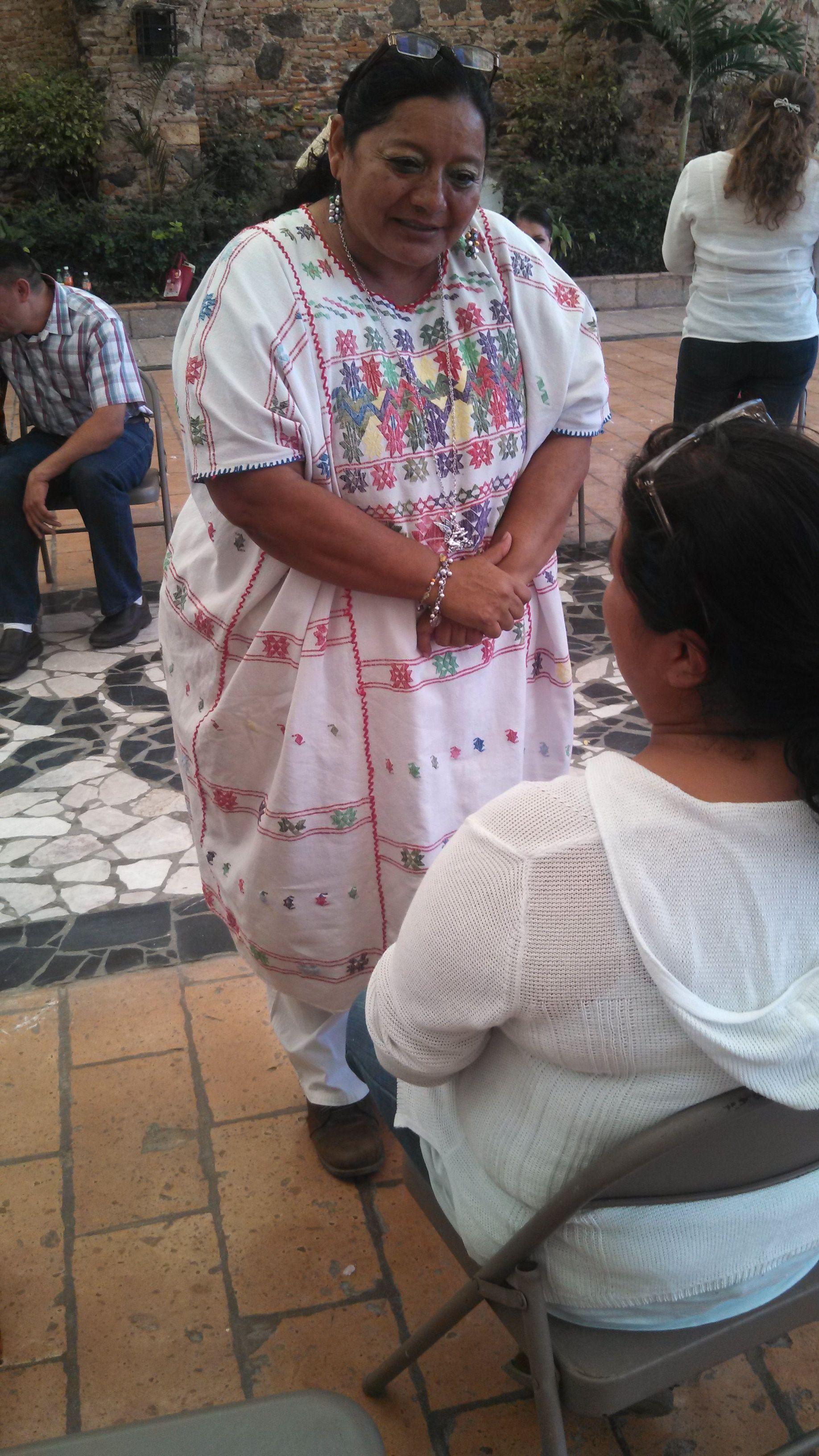 """Actividades del programa """"Lectura en familia"""", en el barrio de Tierras Negras: http://diocesisdecelayamx.blogspot.mx/2014/09/un-exito-lectura-en-familia-en-tierras.html http://soldelbajio.blogspot.mx/2014/09/un-exito-lectura-en-familia-en-tierras.html"""
