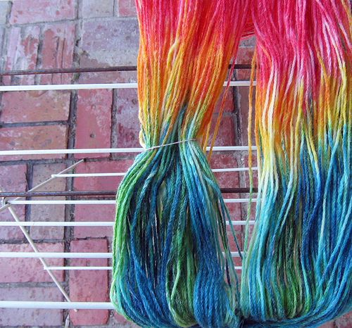 How to dye yarn with food colouring (and small children) | Knit ...
