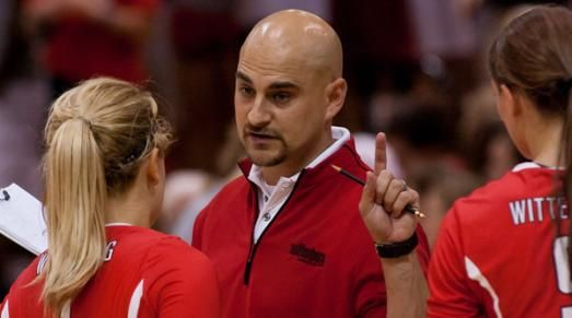 Wittenberg S Paco Labrador Crosses 300 Win Mark Coaching Volleyball Volleyball Team Volleyball