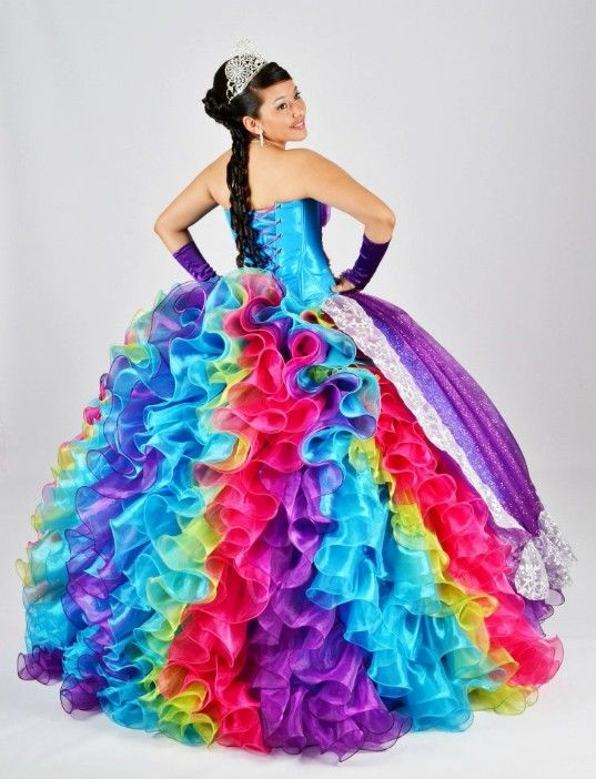 e4065e21d Ugly dress ever. La reina de la fiesta