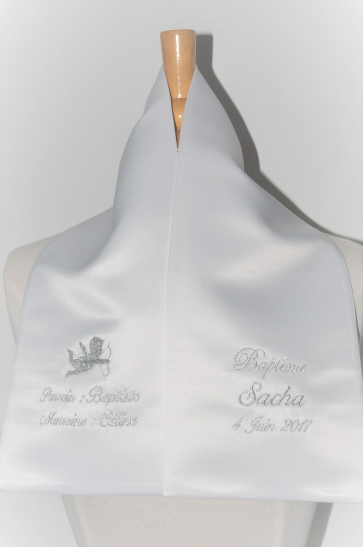 écharpe de baptême bébé ange 2 côtés personnalisée brodée avec parrain  marraine pour garçon ou fille cd84014cbb3