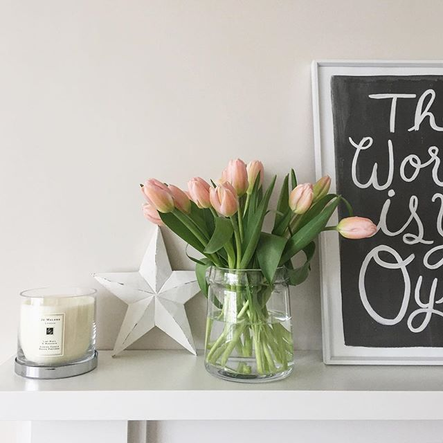 Good morning!  #tulips #spring #flowers #living #room #home #style #interiors