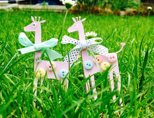 Paper animals brooch