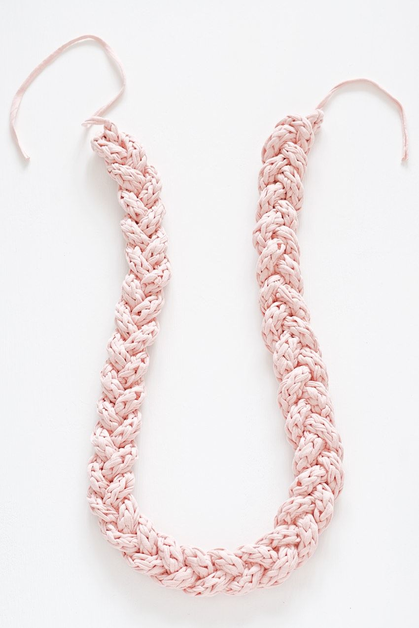 How to knit a cord and braid a necklace with it diy ideas and how to finger knit a cord and braid a necklace with it bankloansurffo Images