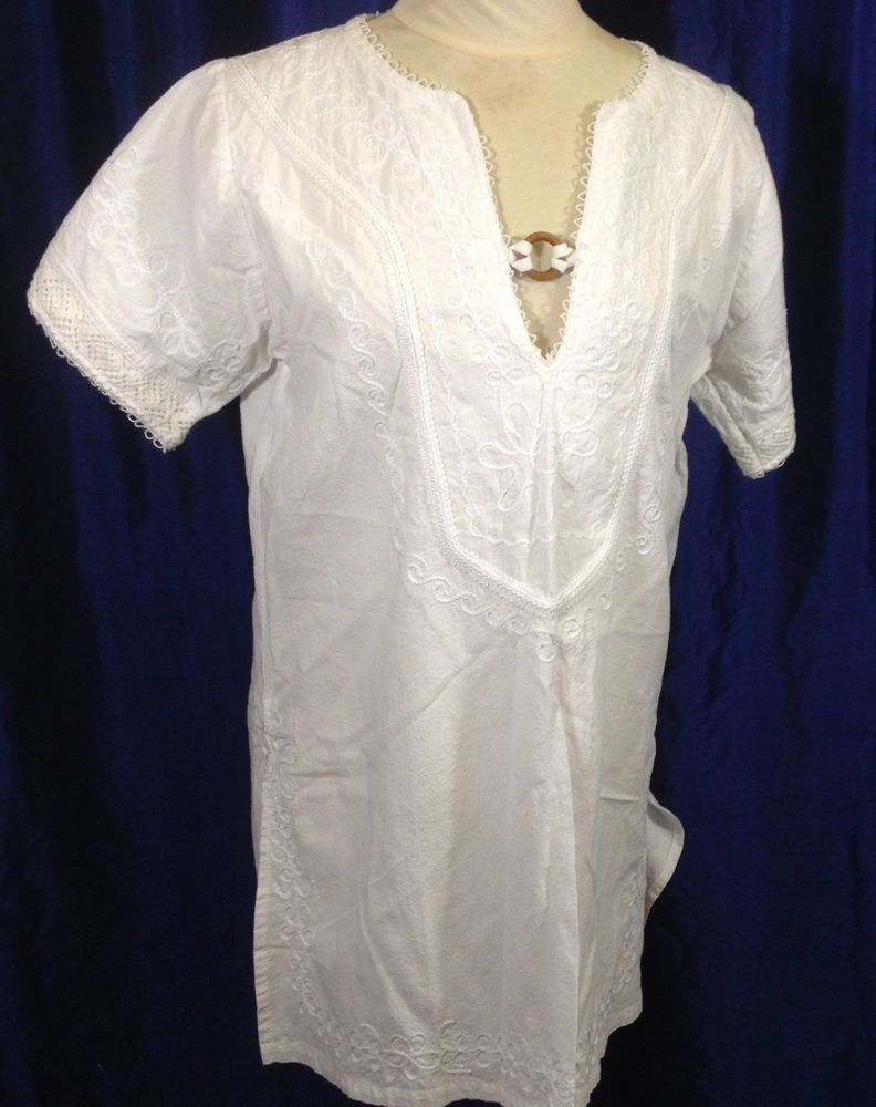 1fae3f352dc845 White Authentic Ecuador Tunic Top Shirt V-Neck Wood Accent Embroidered  Medium #IME #Tunic #Casual