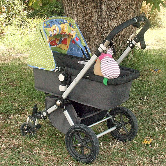Green apple Bugaboo sun canopy with white dots от