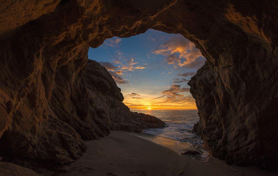Cueva En La Playa Leo Carrillo Malibu Los Angeles Camping Y