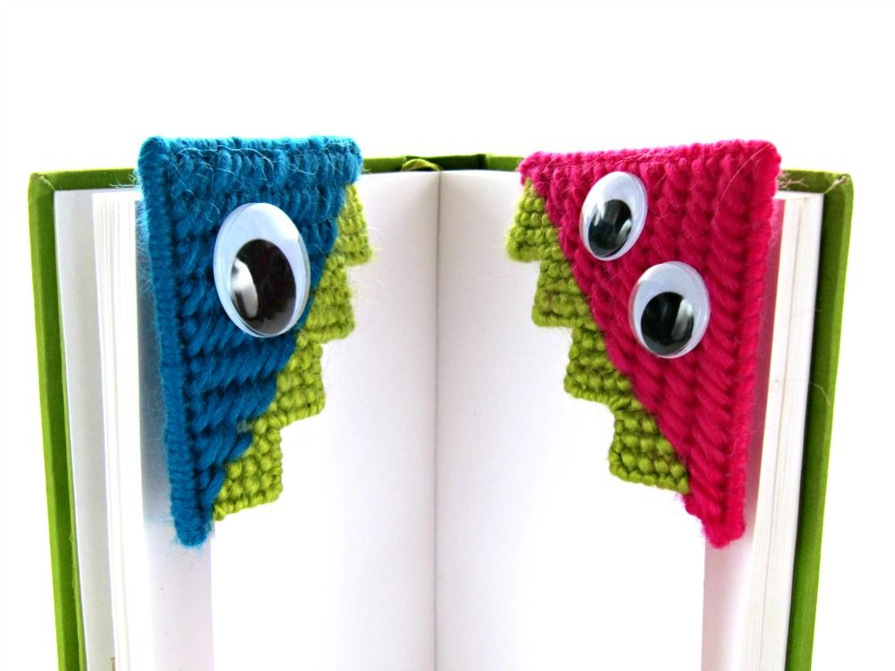Needlepoint monster bookmark tutorial by knitsforlife for Plastic canvas crafts for kids