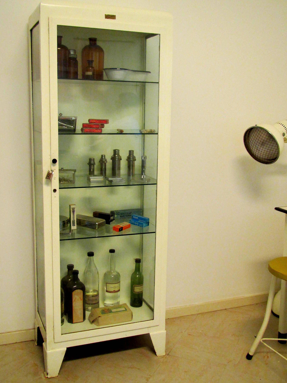 1950s Pharmacist Cabinet Vintage Interiors Bathroom Medicine