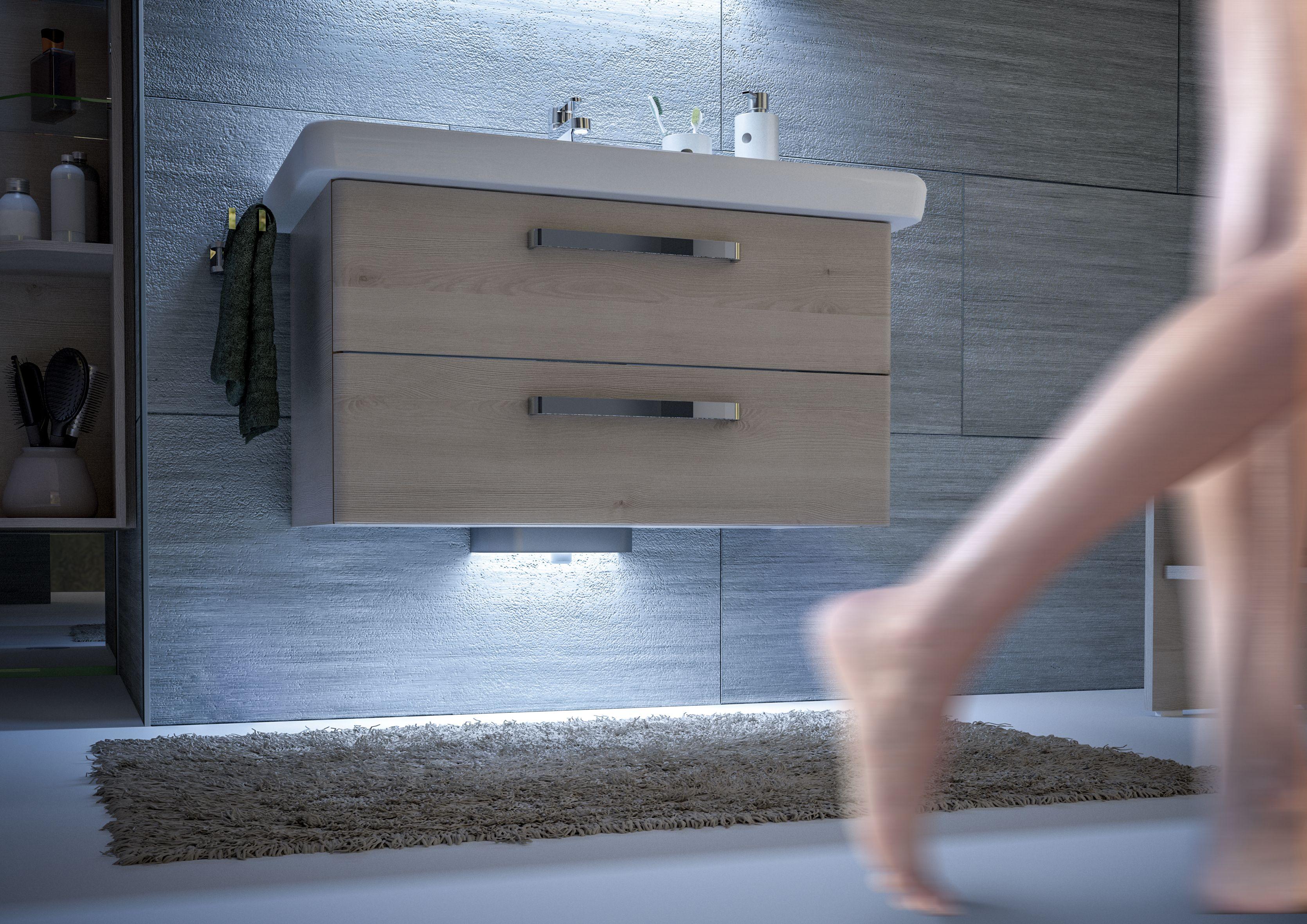 Beleuchtung Lichtakzente Sehen Aber Nicht Nur Gut Aus Gekoppelt Mit Einer Bewegungssensorisch Gesteuerten Badezimmer Modernes Badezimmer Pelipal Badmobel