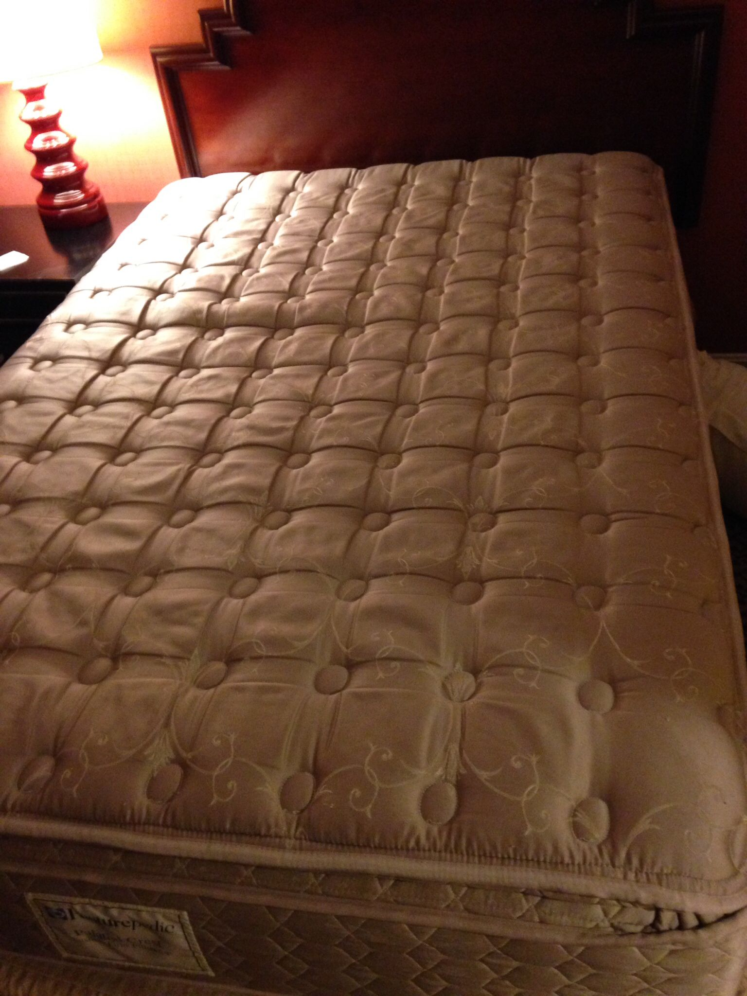 Sealy Posturepedic Palatial Crest Dynasty Plush mattress full