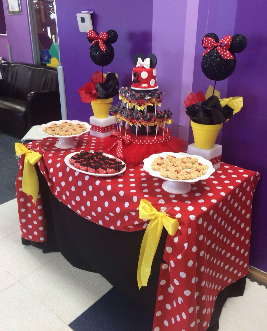 Minnie Mouse Dessert Table By Bizzie Bee Creations Festa Minnie Vermelha Simples Festa Minnie Festa Minie