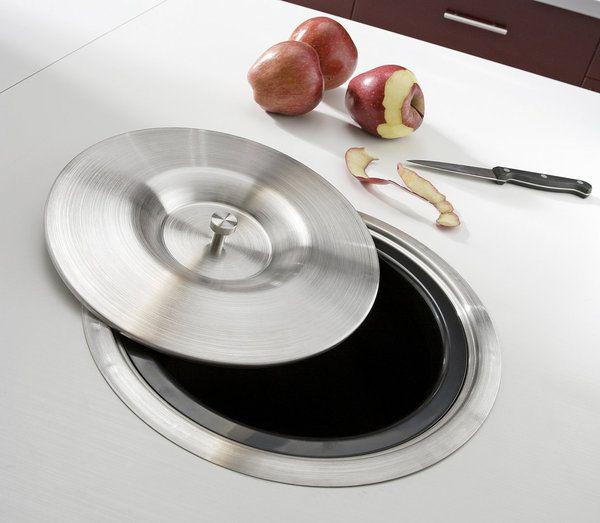 pratique une poubelle de 7 litres int gr e dans le plan de travail couvercle en inox finition. Black Bedroom Furniture Sets. Home Design Ideas